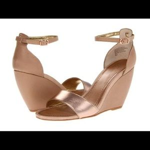 Seychelles Thyme Wedge rose gold sandals